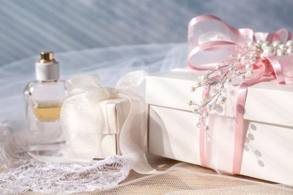 """Mua nước hoa giá sỉ tại Fralux Perfume giá trị từ 10 triệu trở lên, bạn sẽ nhận được gói khuyến mãi """"Gói Quà"""""""